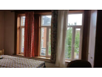 West London Acton W3 Double Room to rent and share rest of flat.