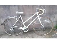 Ladies classic hybrid bike