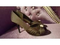 *FOR SALE * Black Dimonte High Heel Shoes Size 7