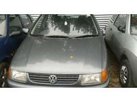 Breaking vw polo 1995 plate