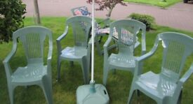 Genuine Keter quality garden furniture comprises 4 sturdy chairs, classic lounger with cushions,