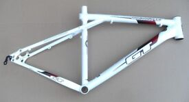 GT disc brake Mountain bike frame - medium 19 inch