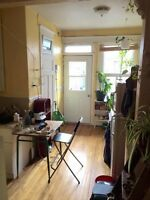 LEASE TRANSFER: 4 1/2 Plateau Mile End - Sept or Oct. flex.