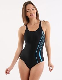 NEW ARENA WOMANS SWIMSUIT 42 18/20