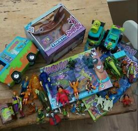 Scooby Doo bundle including texsta Scooby and Mystery Machine