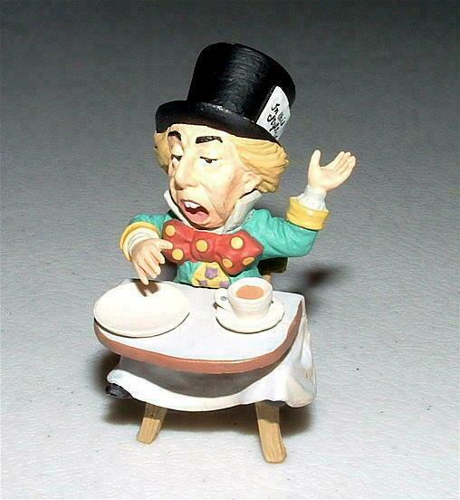 KAIYODO Alice In Wonderland MAD HATTER/TEA PARTY Mini Figure SIR JOHN TENNIEL