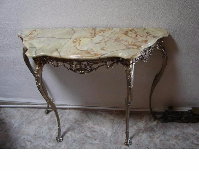 Louis XV Style Onyx and Brass Console Tables (A Pairin Doncaster, South YorkshireGumtree - Louis XV Style Onyx and Brass Console Tables (A Pair) In fabulous condition, these onyx topped brass console table are reminiscent of the Louis XV era. Absolutely stunning! The Onyx tops are removable. I have both in storage having returned to the...