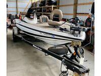 Triton 19X2 Boat