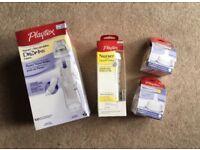 Baby bottle set - Playtex Nurser with drop-in liners and 4 teats - Brand New!