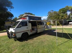 TOYOTA HIACE CAMPERVAN WITH POPTOP Surfers Paradise Gold Coast City Preview