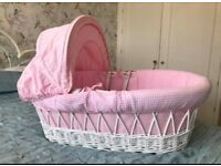 Izziwotnot Moses basket/baby cot