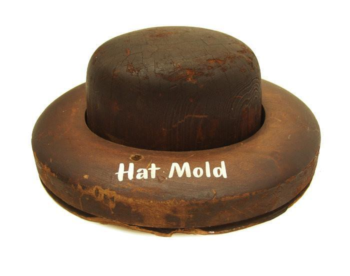 EC1011 Vintage American Wooden Hat Mold