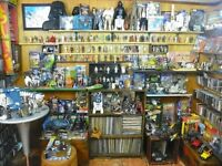 STAR WARS WANTED vintage old or new toys, action figures, ships, lightsabers MASTER REPLICAS