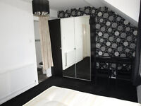 Bedsit to let - en-suite double room all bills included, spacious house with garden, N13