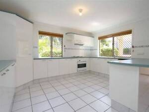 3 bed room Villa to let , Macgregor state primary catchment. This Eight Mile Plains Brisbane South West Preview