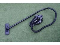 1200w Bagless hoover, Light weight Vacuum cleaner in working condition