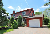 LOVELY 3-BDRM, 2-BATH ON A LARGE, PRIVATE LOT MINUTES TO 417