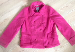 **WOMEN'S FUSHIA PINK FALL/WINTER COAT FOR SALE-SIZE L**