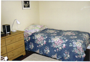 Bedroom to Rent for Professional Male