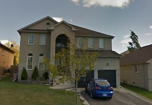 Large 4+1 BDRM South Barrie Close To Go Train, Lake, Best School