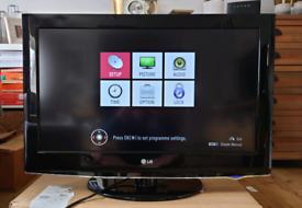 LG 32 inch TV 32LH3000