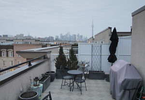 2BR TOWNHOUSE LIBERTY VILLAGE WITH PARKING SPOT INCLD - 1200ft2