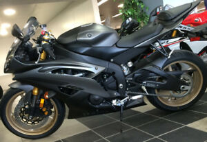 Yamaha YZF-R6 2014 impeccable