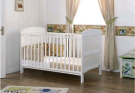 Brand new Obaby baby cot that converts into bed