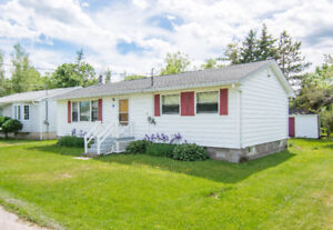INVITING OFFERS! 60 THIRD AVE. POINTE DU CHENE! CLOSE TO BEACH!