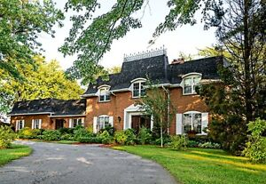 Gorgeous home on 2 acres country lot with scenic vista