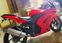 KAWASAKI NINJA 2010 BLOOD RED AND BLACK