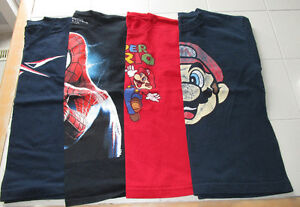 4x Boys licensed t-shirts in size Medium (10/12)