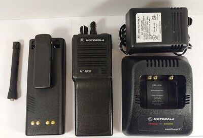Motorola Ht1000 Uhf 403-470 Mhz 16 Channel Portable Radio H01rdc9aa3bn