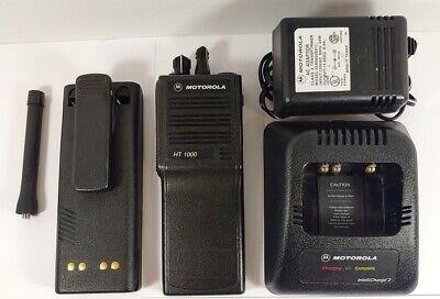 Motorola Ht1000 Uhf 403-470 Mhz 16 Channel Radio H01rdc9aa3dn