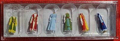 Preiser 24767 Mittelalterliche Kleidung auf Ständer 1:87