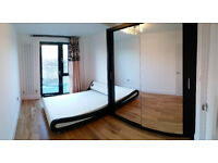 Double en-suite with balcony, Double with terrace in Canada Water/Surrey Quays