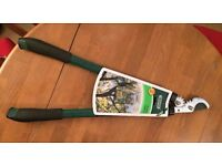 Brand new Bypass Loppers . Great for gardening!