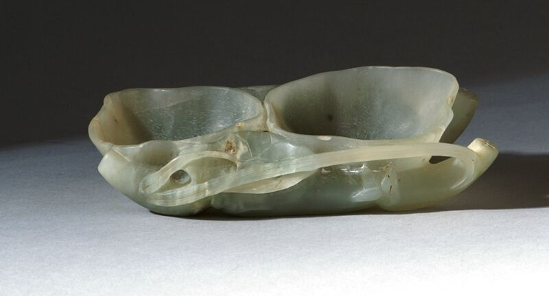 """A050 Antique pale green jade brush washer 19th Century.  Length 4.5"""" (11.4CM)"""