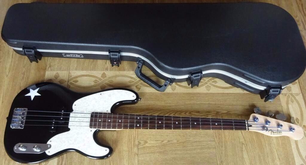 Fender Squier 51 Precision Tele Bass Mike Dirnt C W