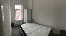 Doube room radcliffe, bury manchester city access all bills & wifi included