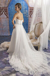 Beautiful brand new never worn Wedding dress / gown
