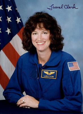 LAUREL CLARK - Repro-Autogramm, 20x28 cm, Columbia Space Shuttle, STS-107
