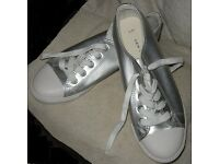 'New Look' silver plimsolls - size 6/39 - Brand New