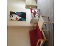 Beautiful newly decorated twin room, all bills, cleaner and WIFI included in price