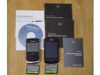 2 Blackberry mobile phones - spares or repair (9520 works)