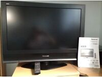 """Panasonic Viera tx-32lmd70 32"""" LCD TV with remote and instructions"""