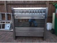 Smeg gas cooker 90cm wide in good condition