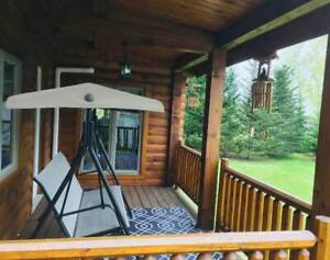 Spacious Water View Log Cabin: Vacation Rentals