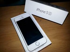 Fido iPhone 5S 16 Gb Silver New With Box