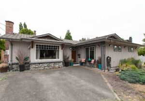 3 Bed+Den & Family Rm. Reno'd Rancher in Cloverdale
